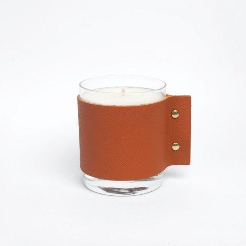 SCENTED CANDLE – Hazelnut And Cedar