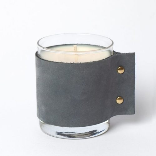 SCENTED CANDLE – Teak Wood And Tobacco Leaves